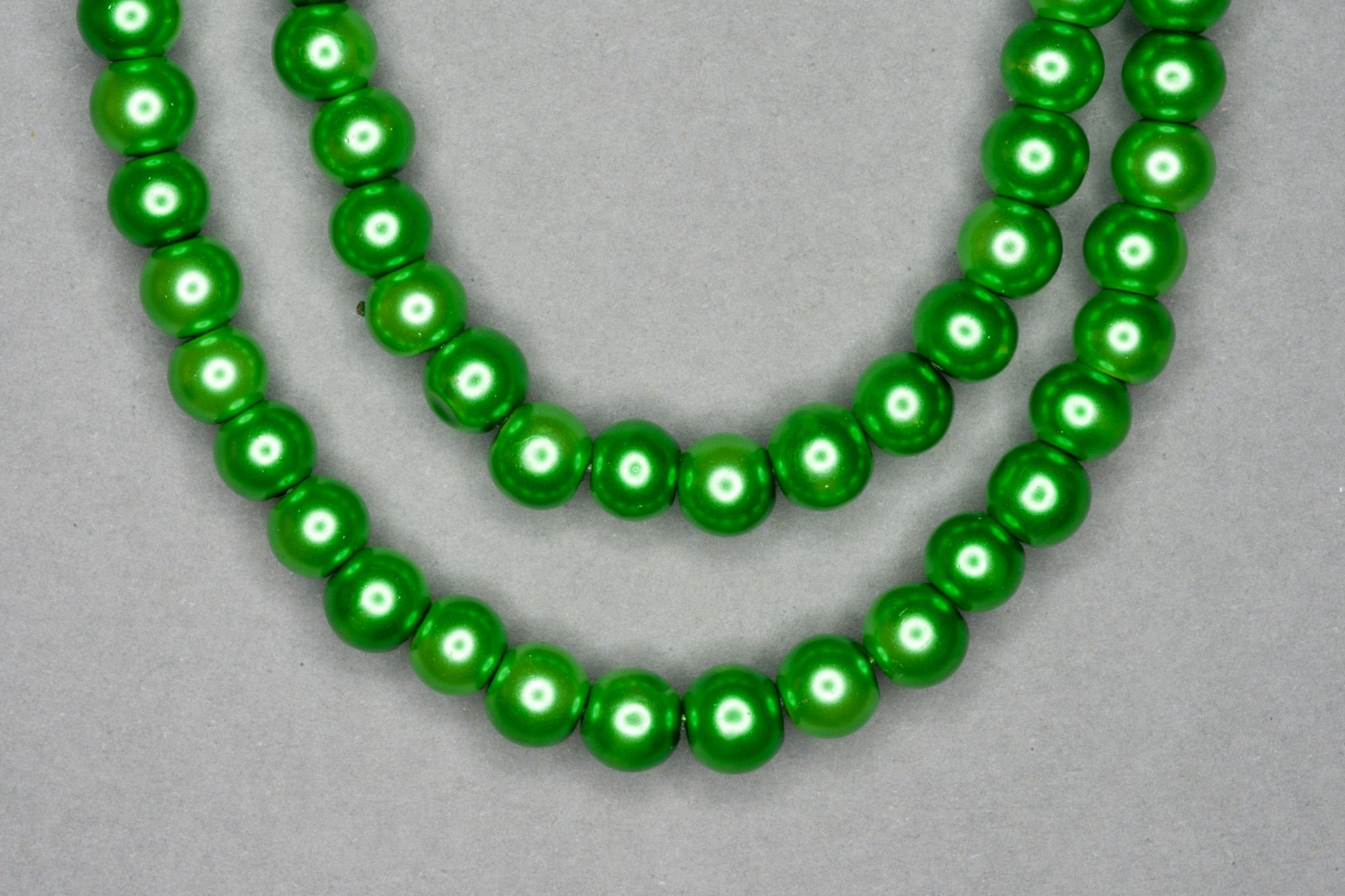 Kelly Green Pearl Glass Beads