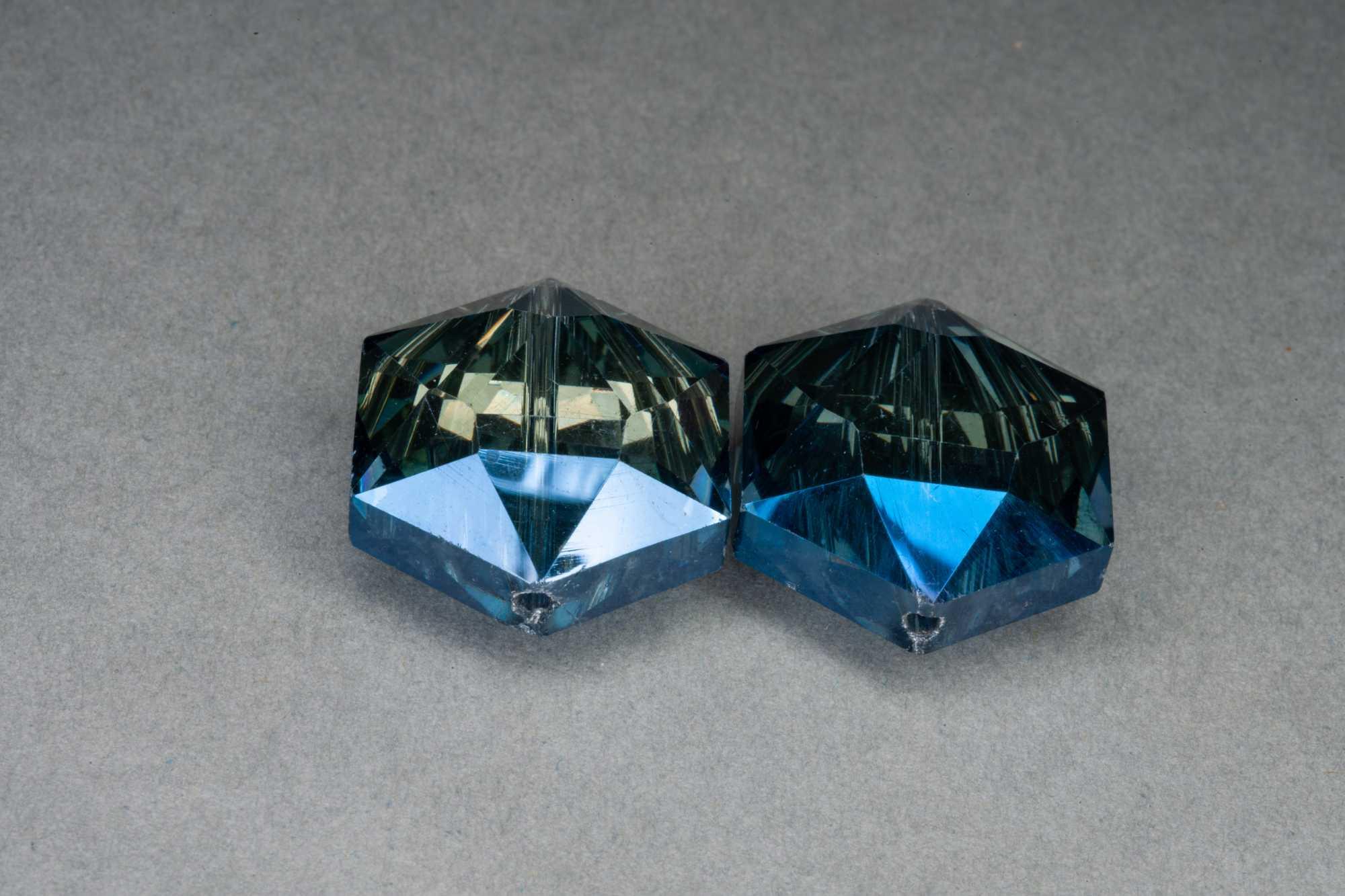Metallic Blue/Midnight Hexagonal Faceted Glass Bead