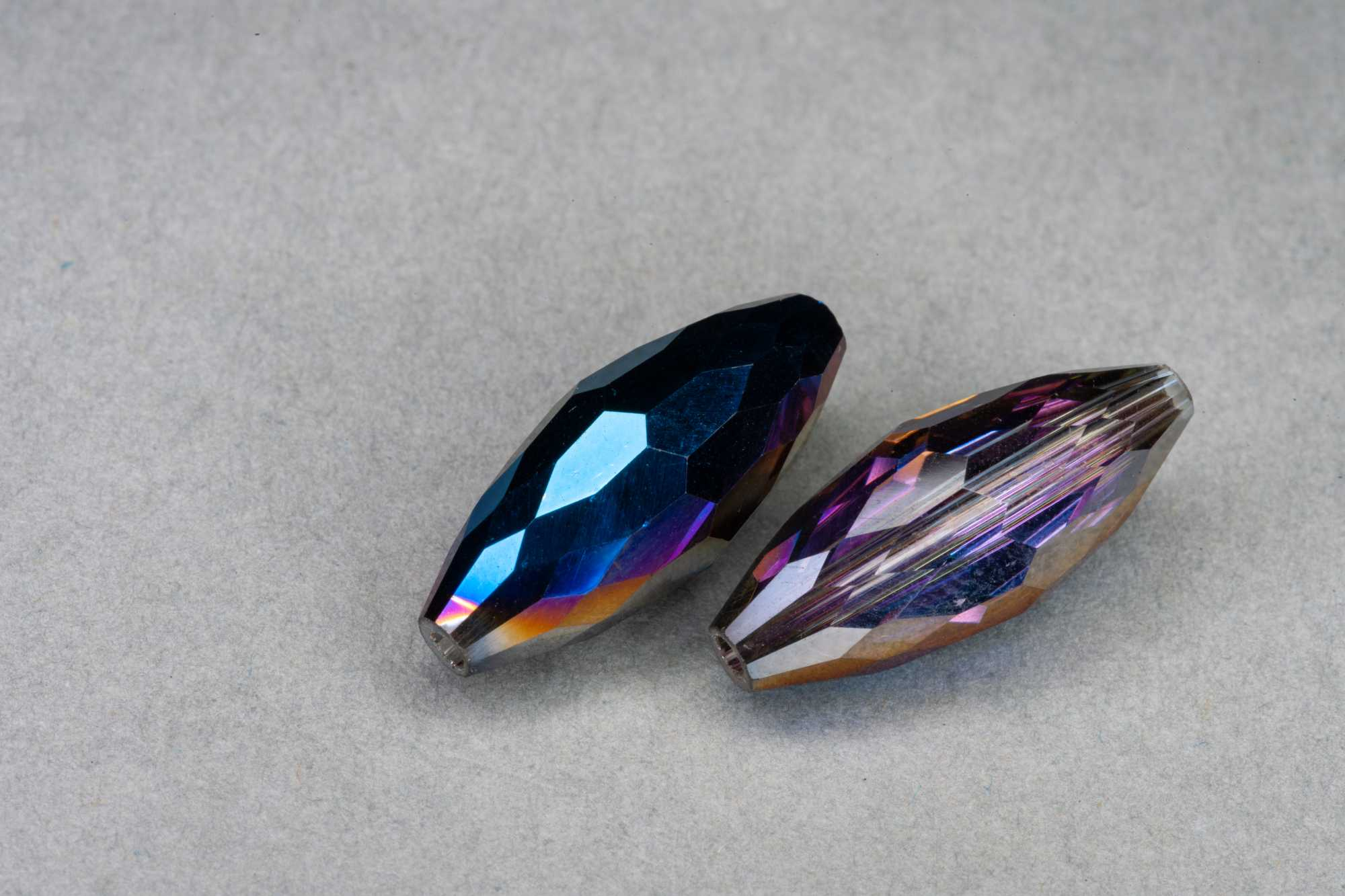 Metallic Blue/Purple Oval R Faceted Glass Bead 18x7mm