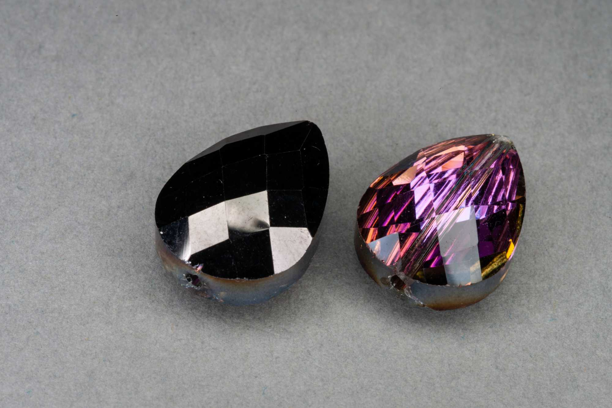 Metallic Black/Magenta Pear Shape Faceted Glass Bead 18x13x8mm
