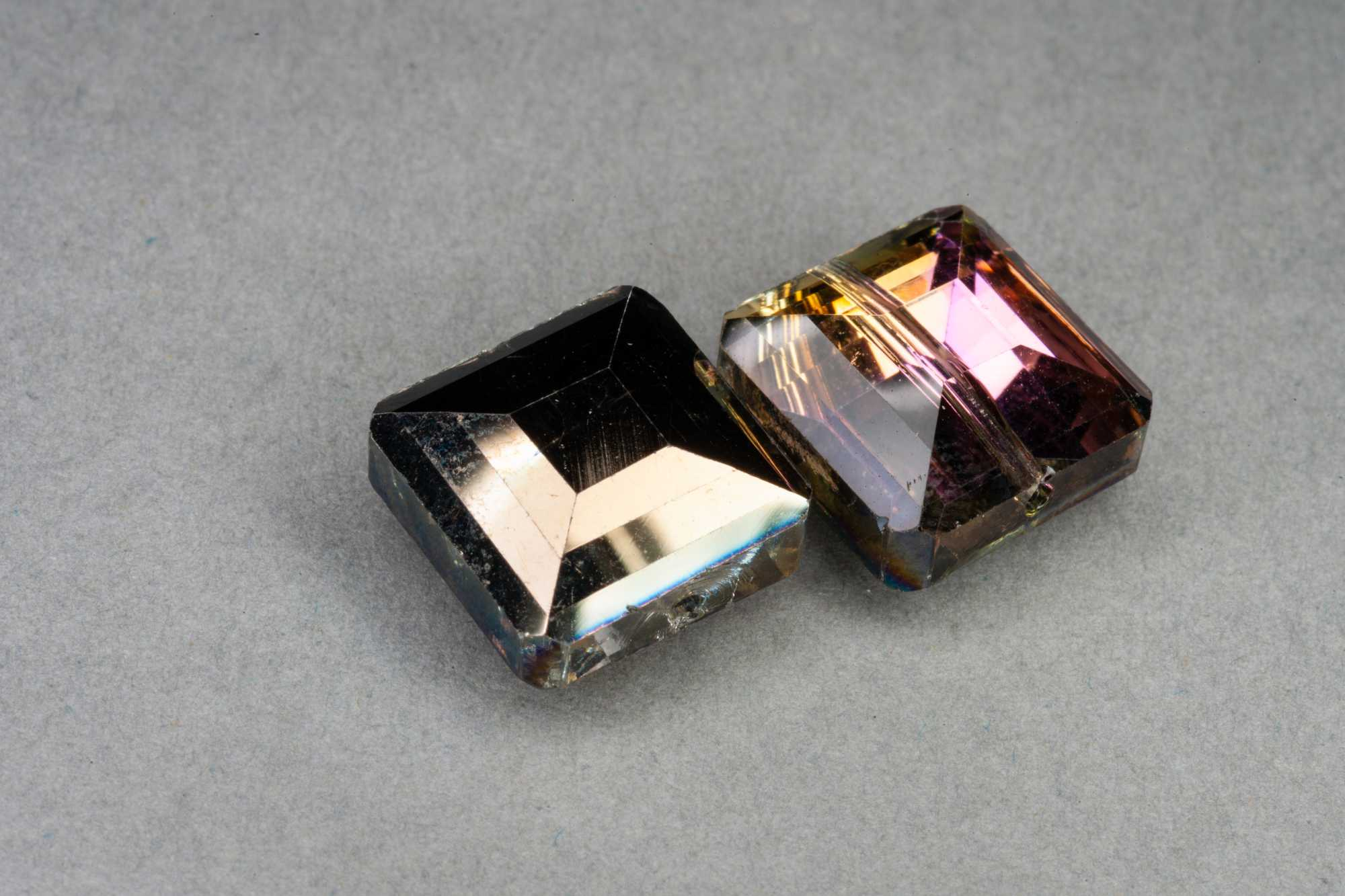Metallic Bronze/Magenta Square Faceted Glass Bead 13x7mm