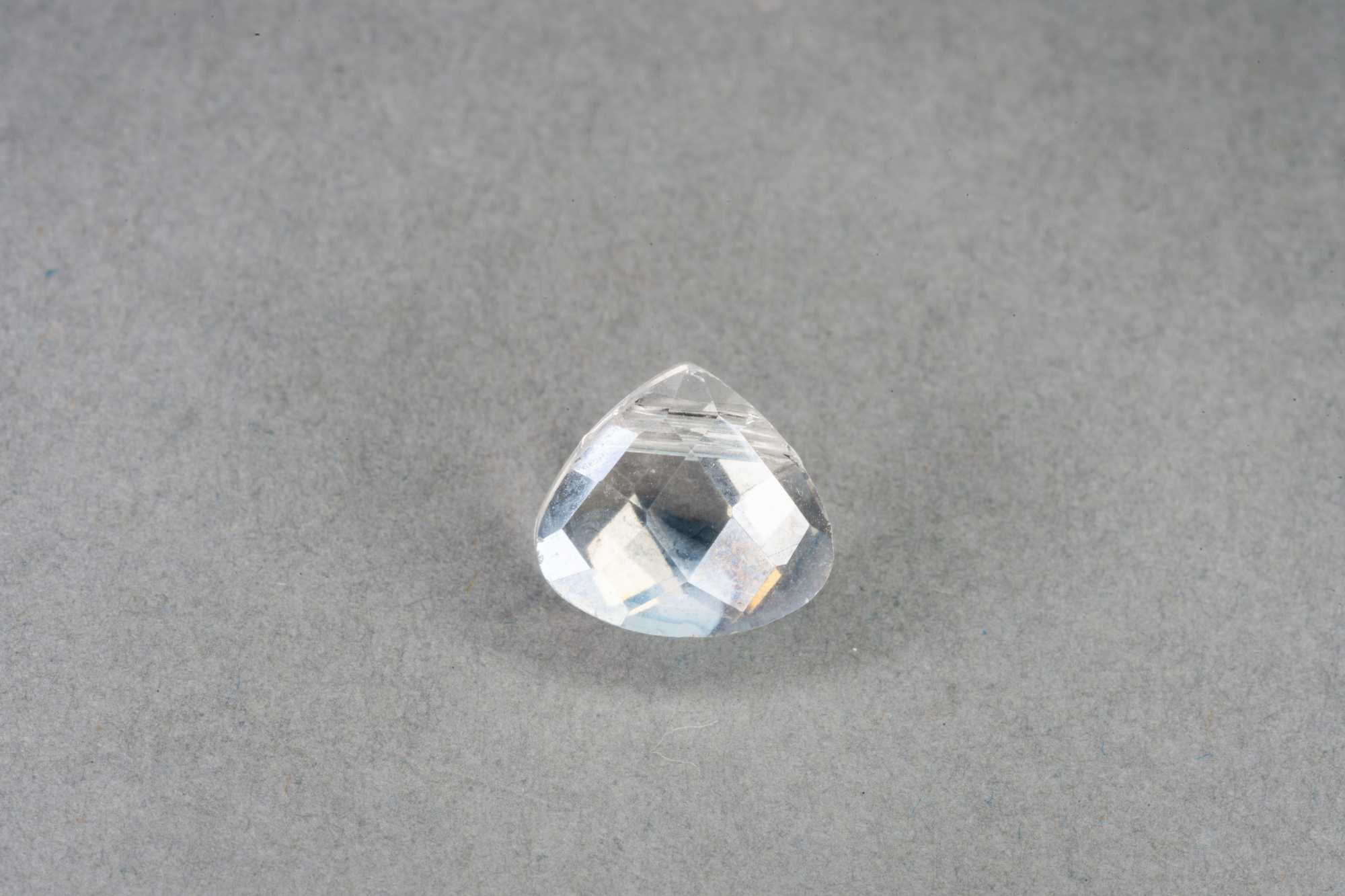 Clear Tri Drop Faceted Glass Bead 10x9x5mm