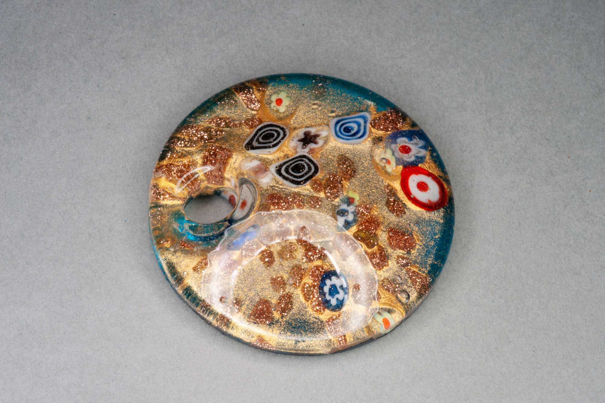 'Klimt' Glass Pendant, approx 4.5cm