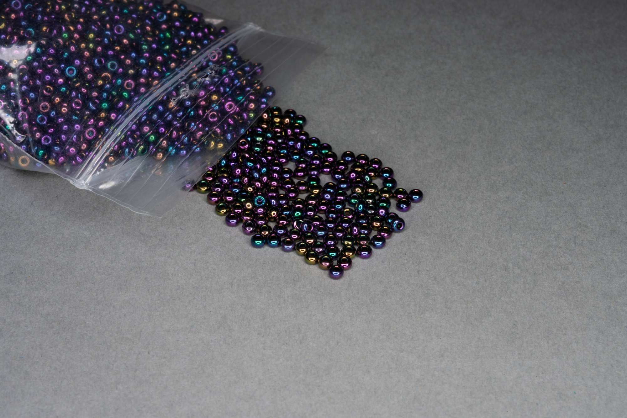 Oily Purple Seed Rocaille Glass Beads, 30g
