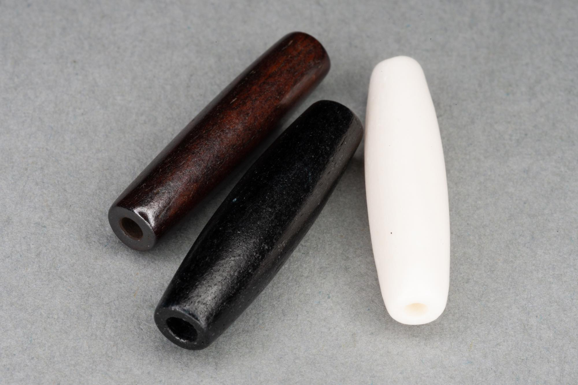 25x6mm Bone Pipes, 1mm hole