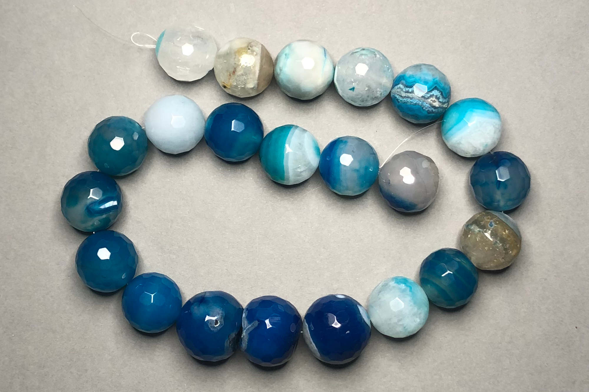 Blue Agate 39cm Strand, 18-20mm Round Assorted