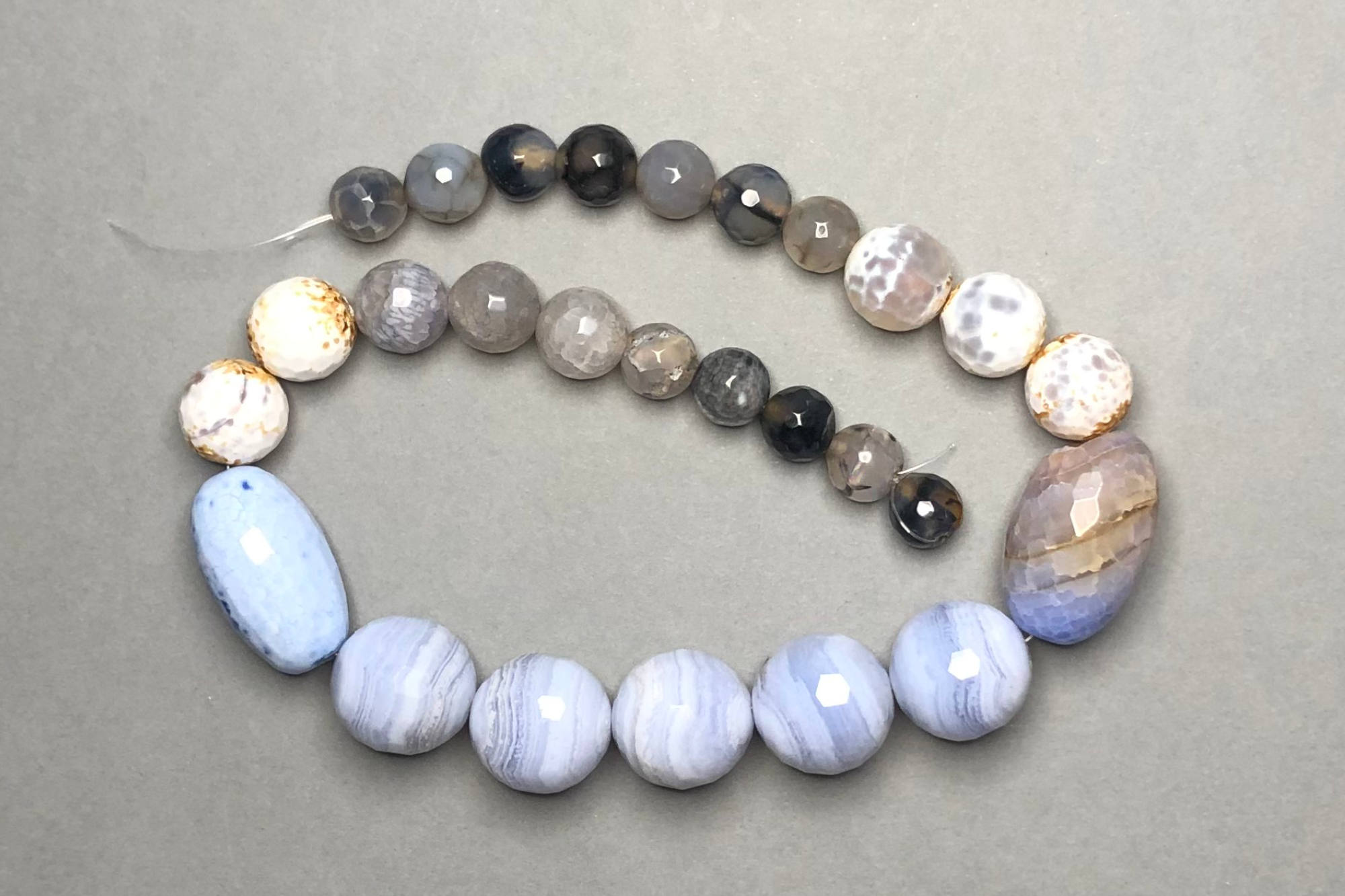 Blue/Grey Agate 37cm Strand, Assorted