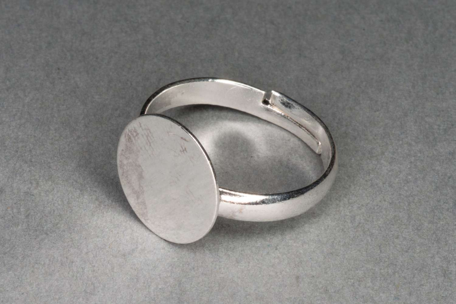 Small Silver Ring Base