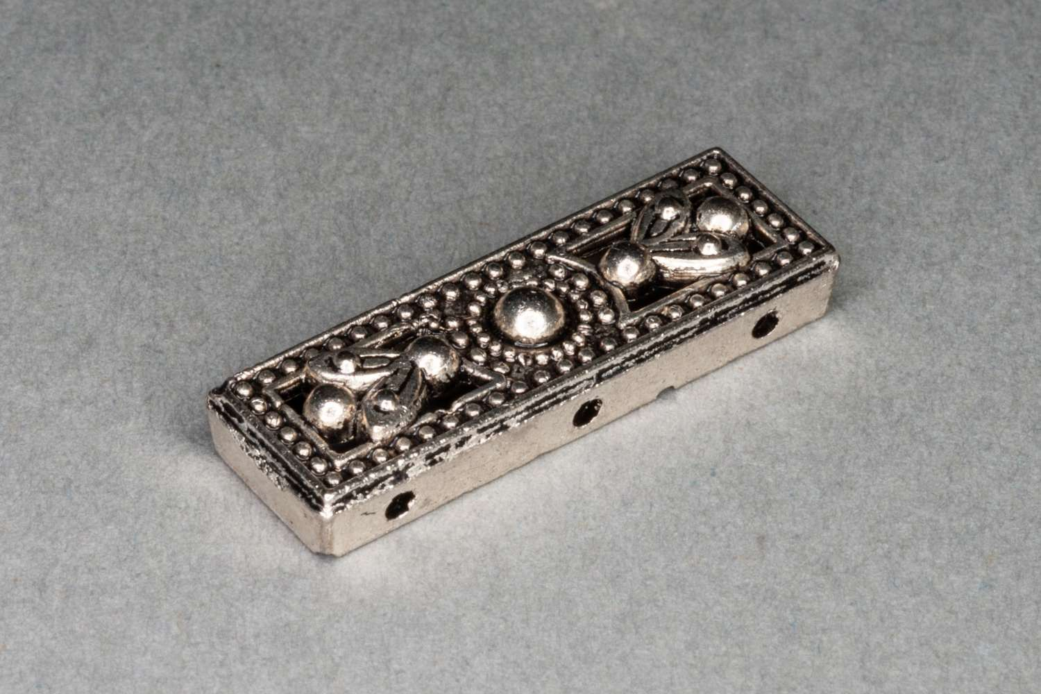 Silver Large Decorative 3 Row Space Bar