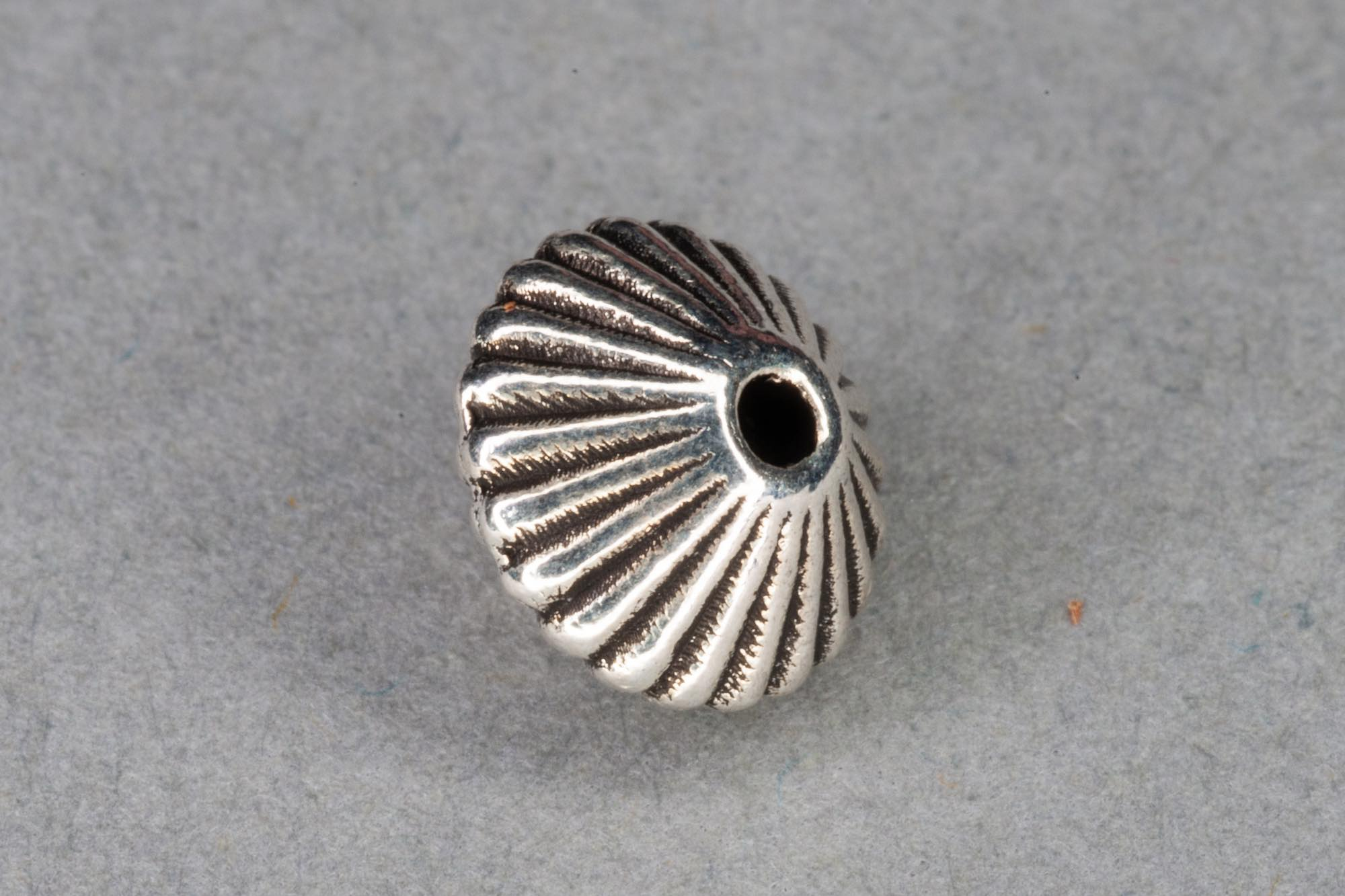 Antique Silver Plated Flat Ridged Bicone Bead 8x6mm, 0.9mm hole