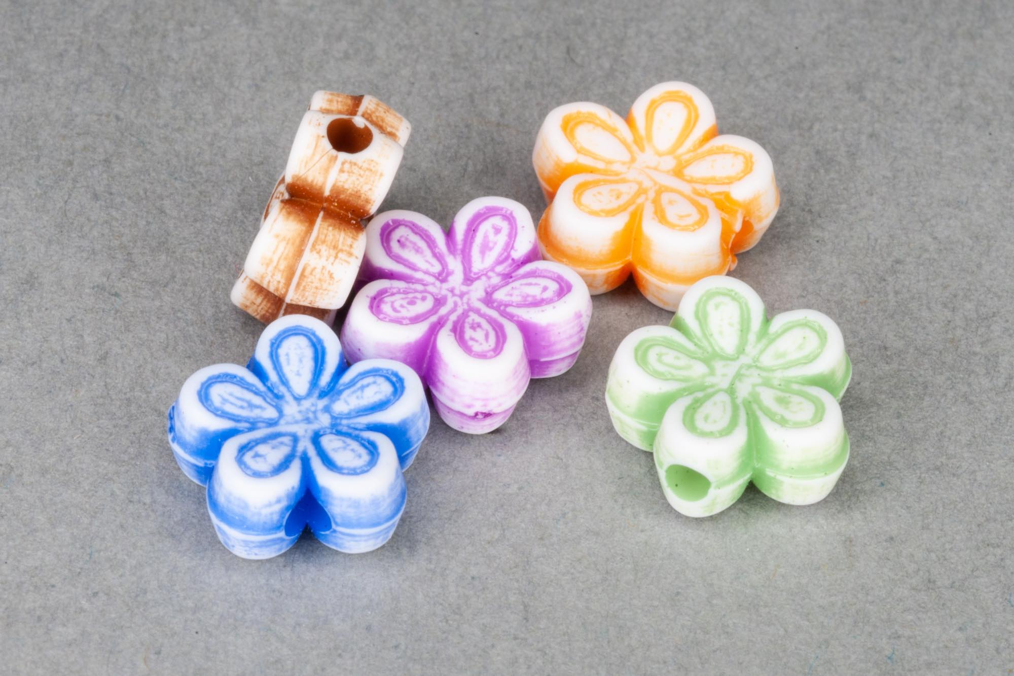 Mixed Acrylic Flower Beads, 8x4mm, 1mm hole