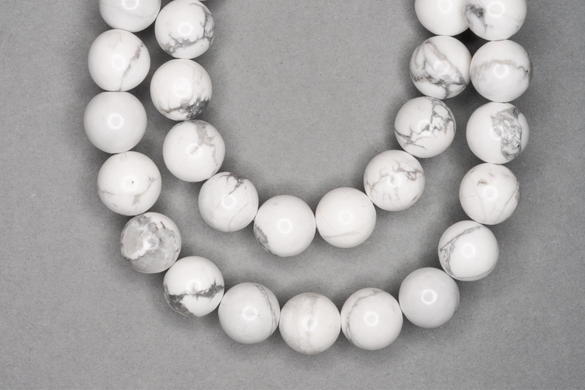 White Chalk Turquoise 38cm Strand, 10mm Round