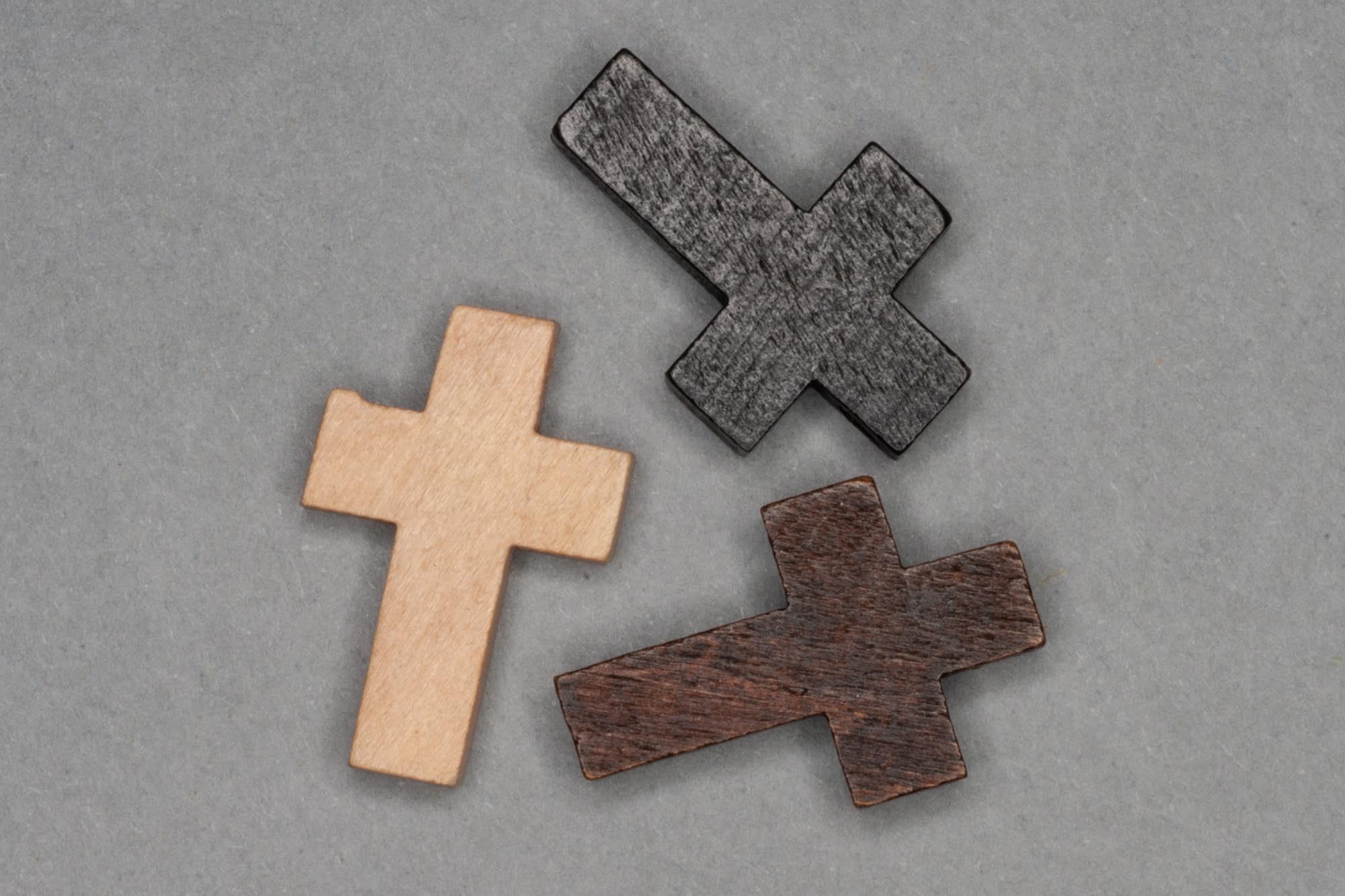 Wooden Cross pendant 25x15x4mm, 1mm hole