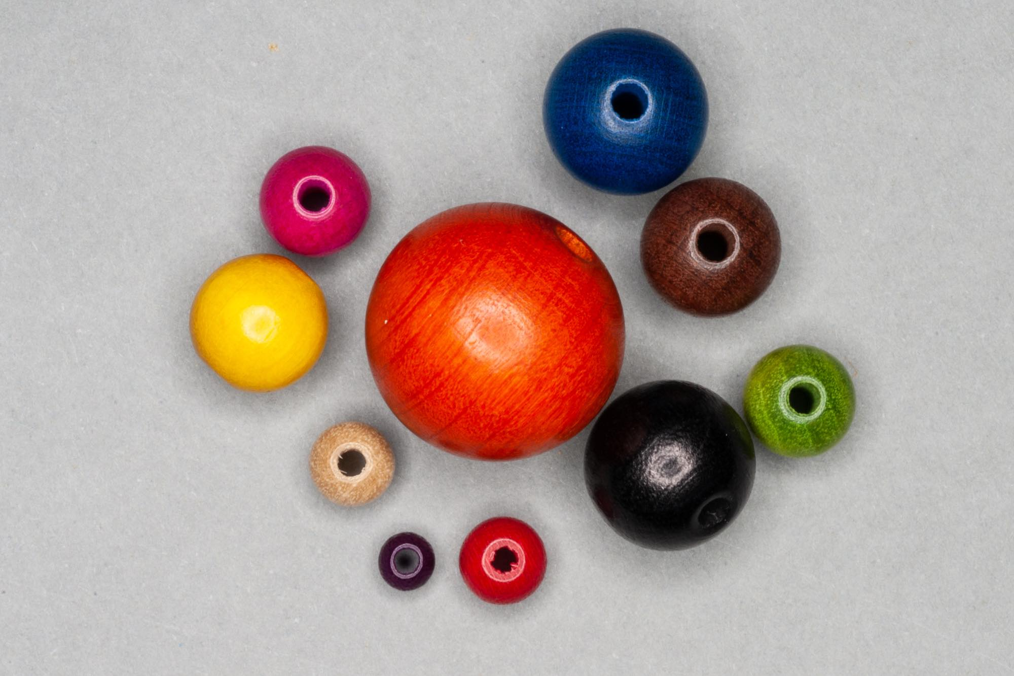 Round Wooden Bead 18mm/2mm Hole